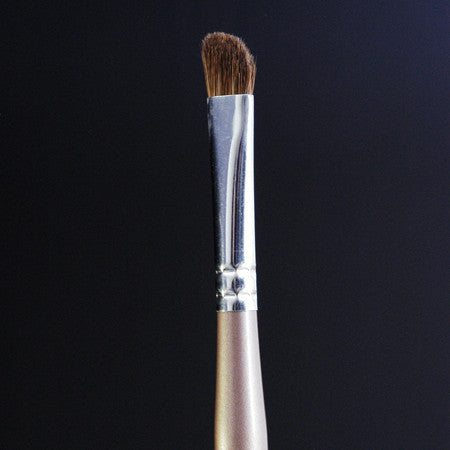Angle Fluff Eyeshadow Brush
