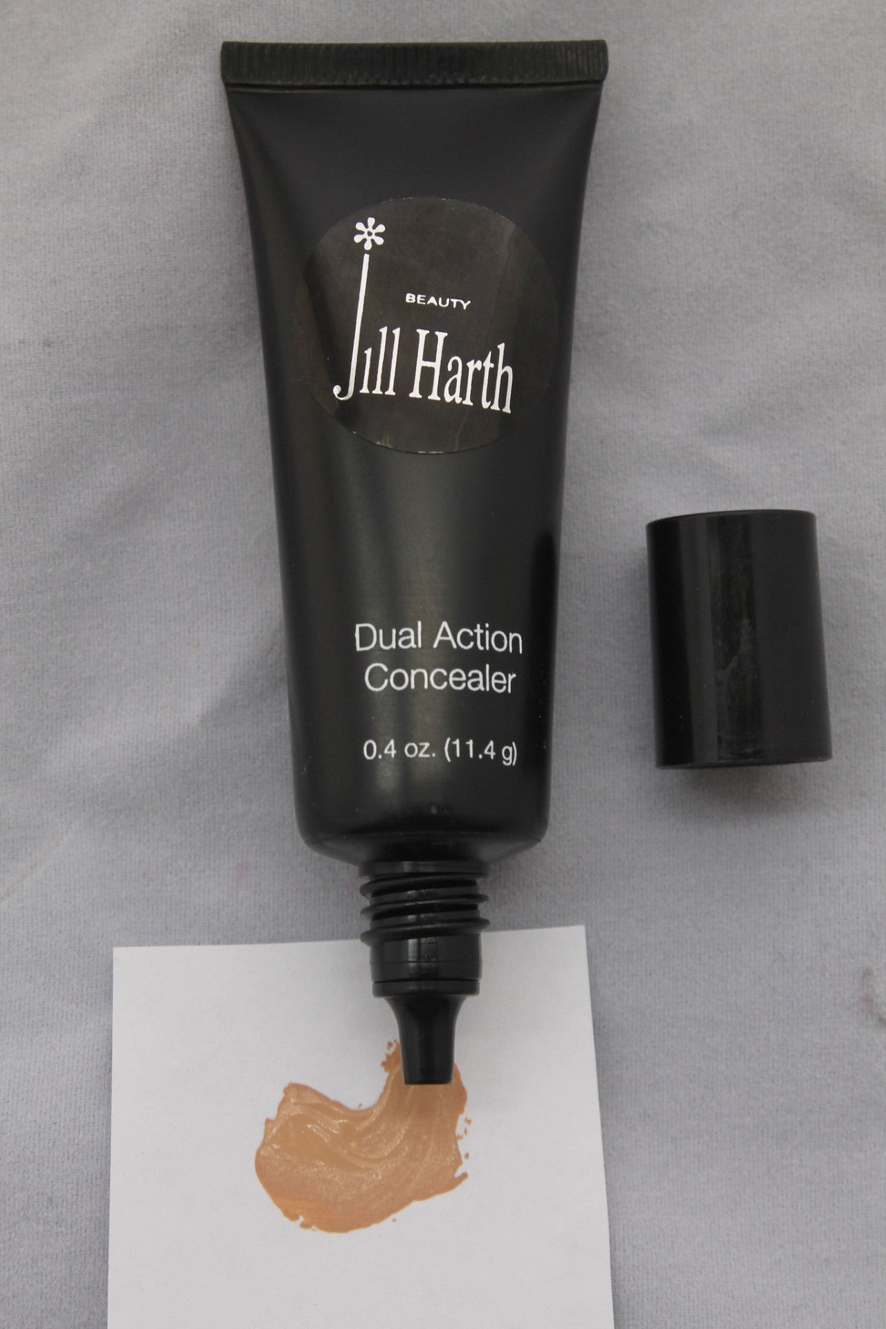Dual Action Concealer Light