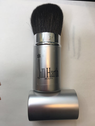 Retractible Bronzer/Powder Brush
