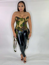 Load image into Gallery viewer, GI Jane Corset