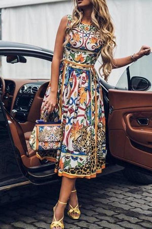 Round-Necked Sleeveless Vintage Print Maxi Dress