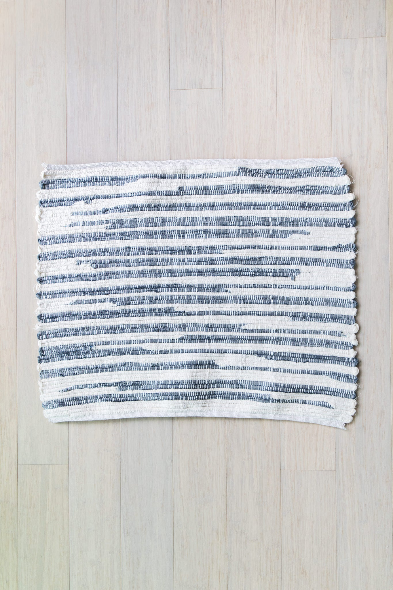hand-loomed rug / graphite