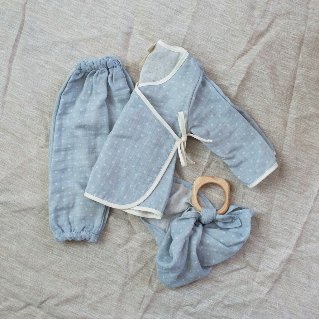 dotted layette set / baby blue
