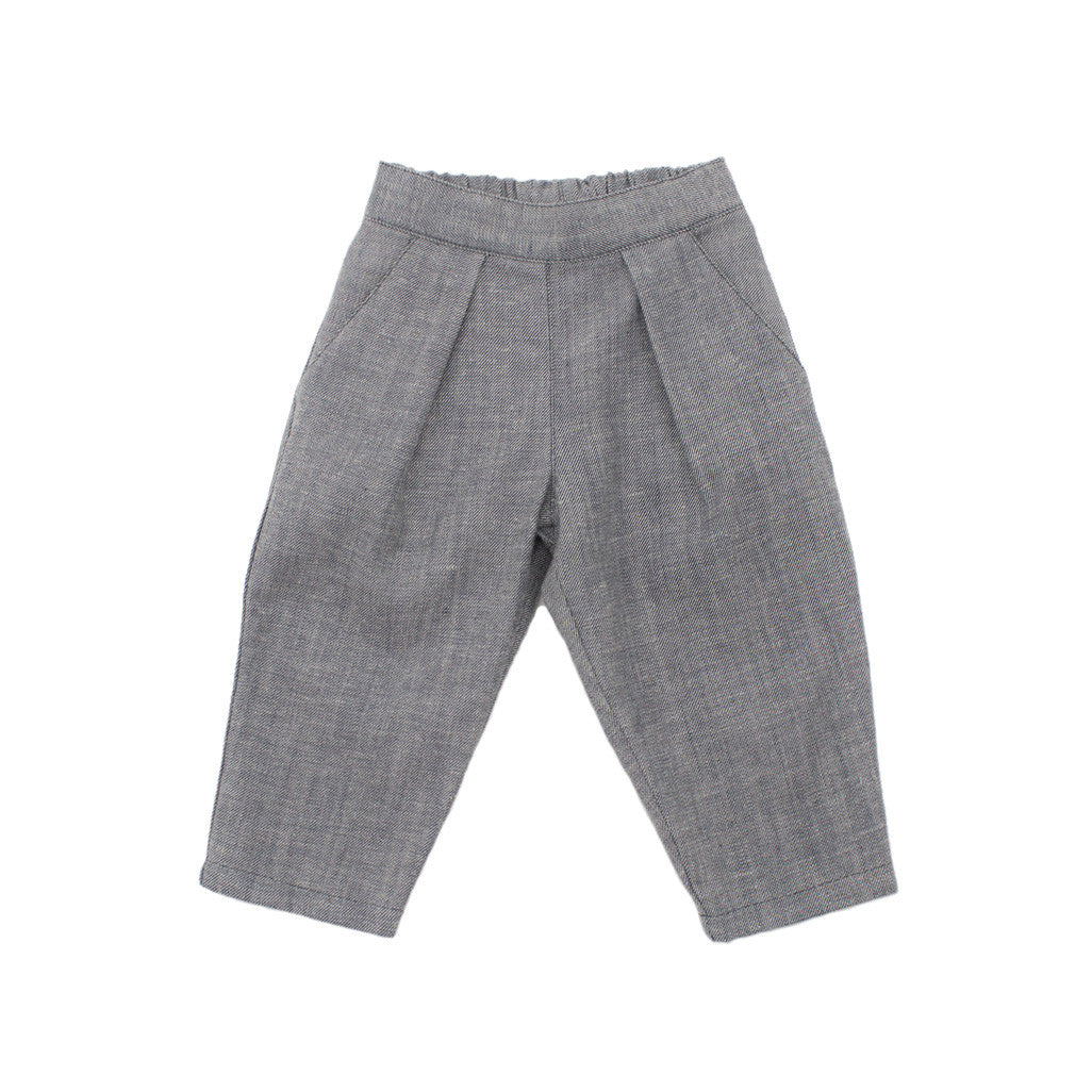 pleated trousers / gray denim