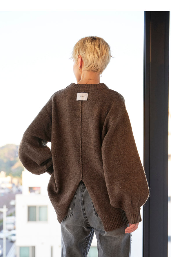 BACK SLIT FLUFFY KNIT