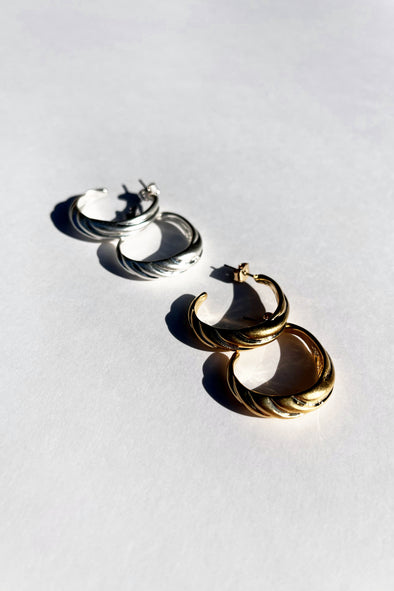 TWIST HOOP CHUNKY PIEECED EARRINGS