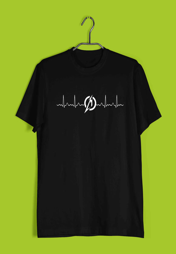 Music  Minimal Tributes - METALLICA IN MY HEART Custom Printed Graphic Design T-Shirt for Women - Aaramkhor