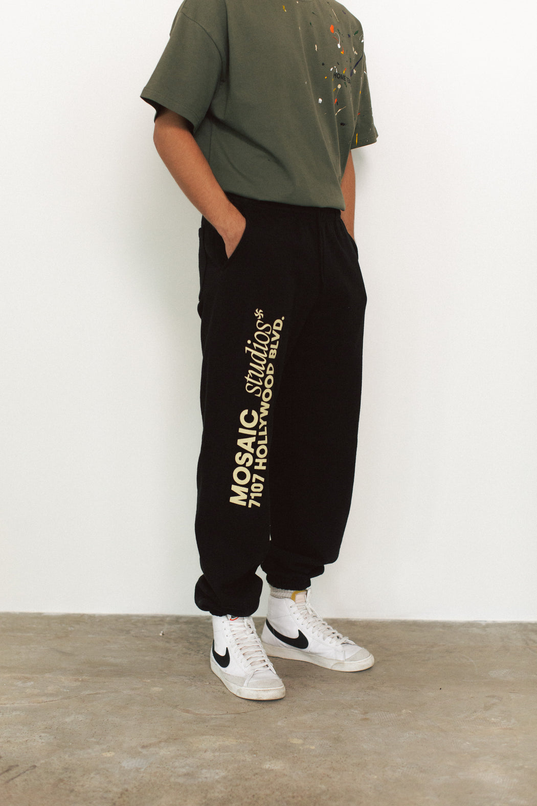 Bundle 01 (The Olive Tee + The Black Sweatpants)
