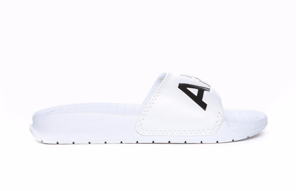 Aston slip on - white