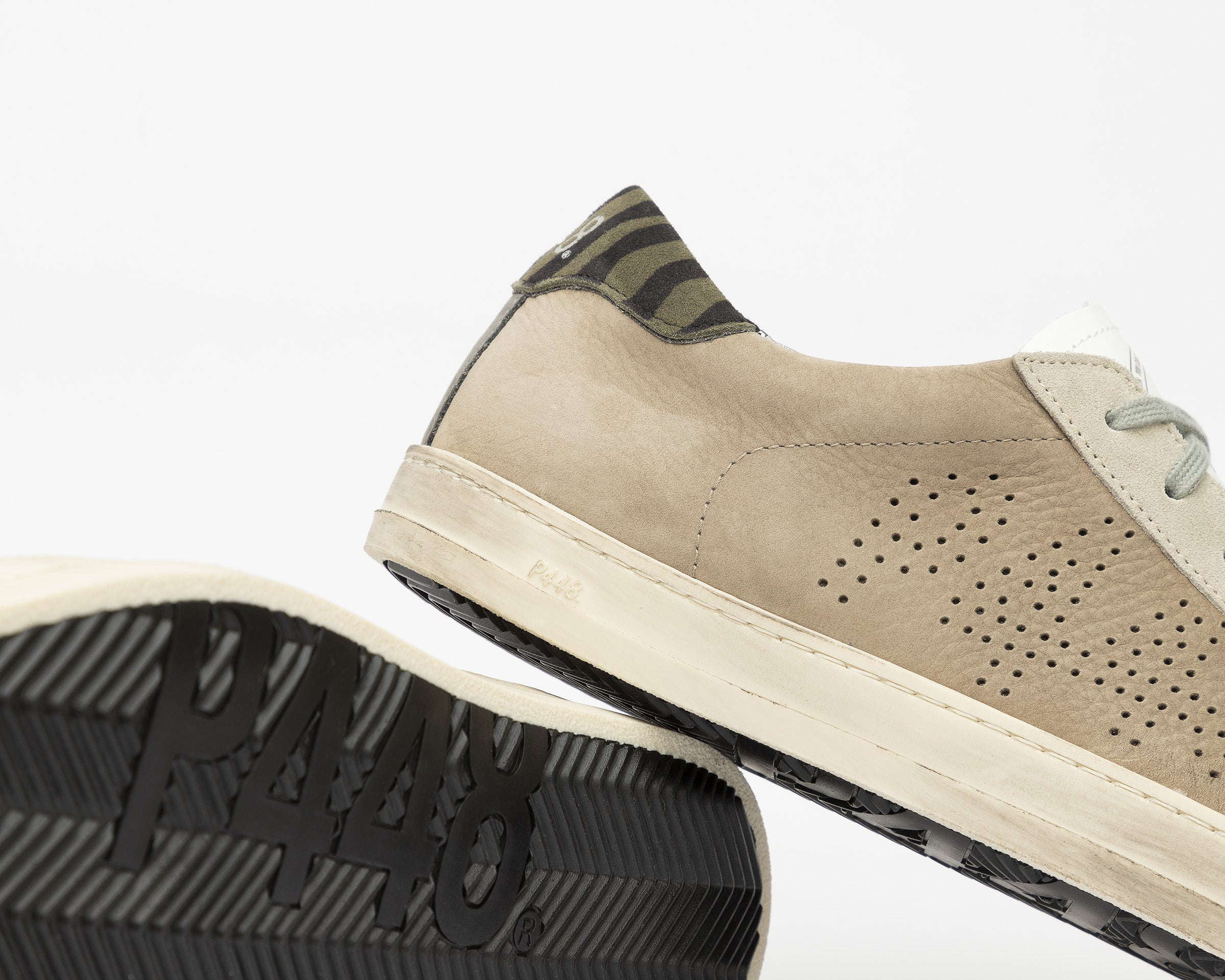 John Low-Top Sneaker in Gray NabJohn Low-Top Sneaker in Gray Nubuck - Detail 2