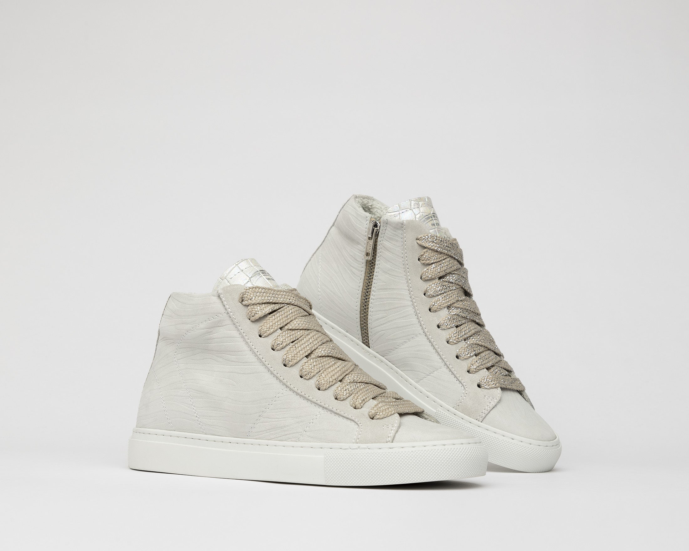 Star High-Top Sneaker in White Zebra - Detail 2