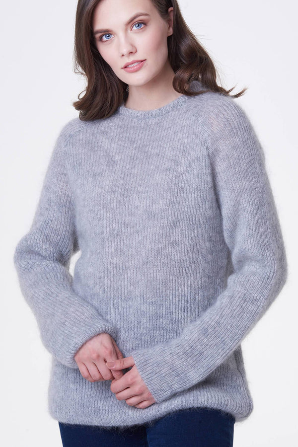 Voglia gray mohair sweater with raglan sleeves