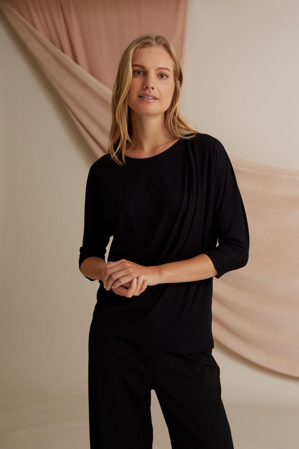 Amelie batwing loose top black