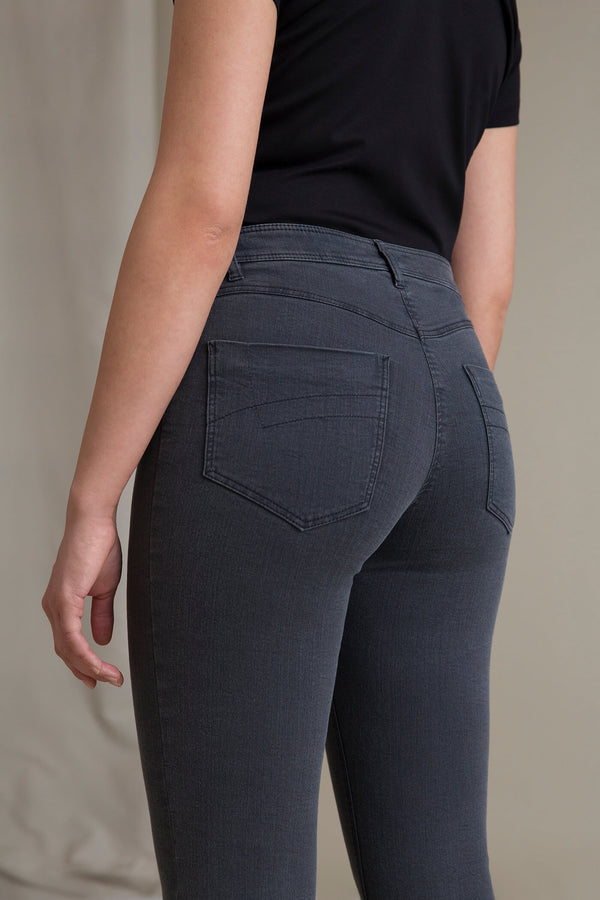 ANVIKA Bootcut Jeans grey denim behind