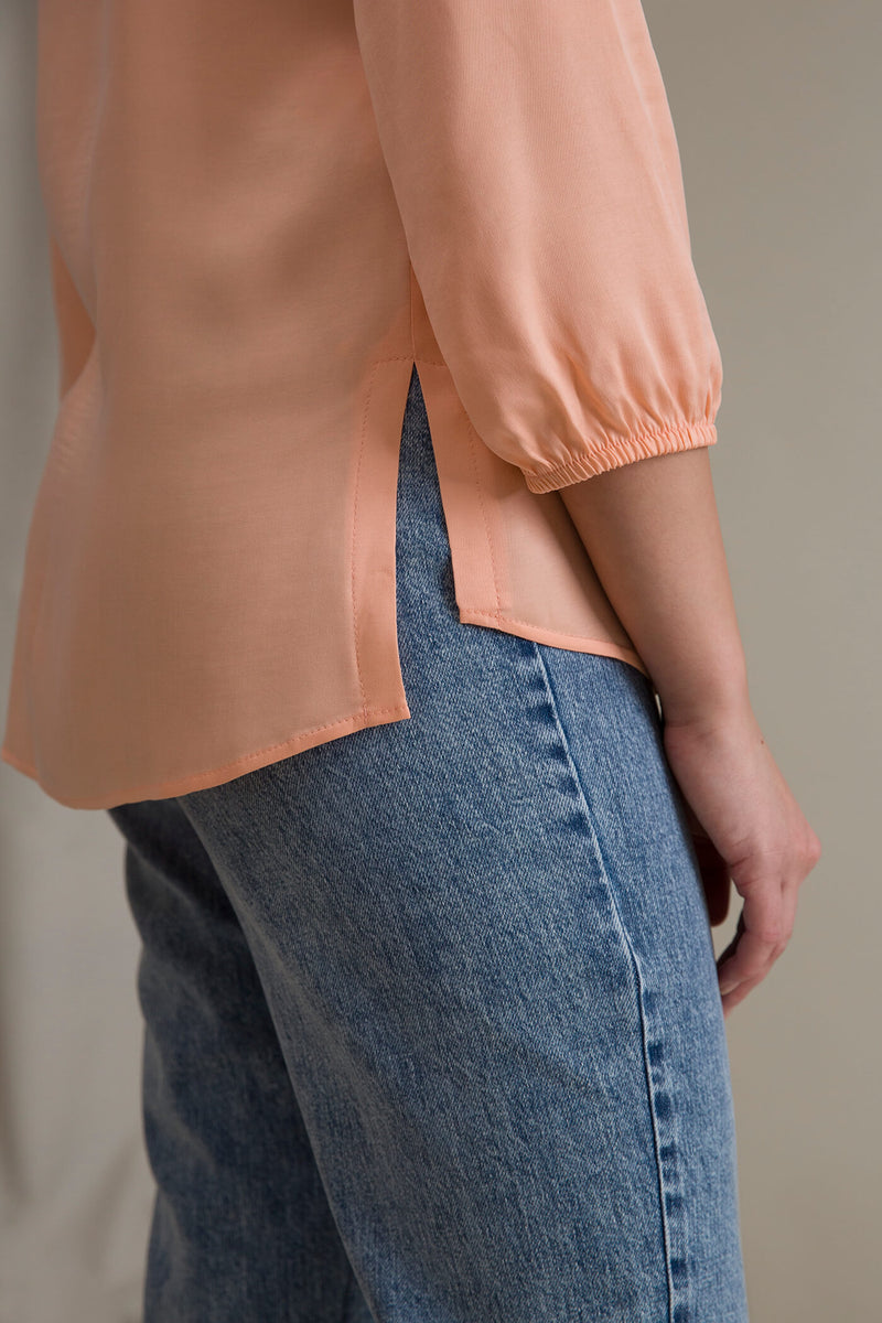 CARRIE Blouse peach sleeve