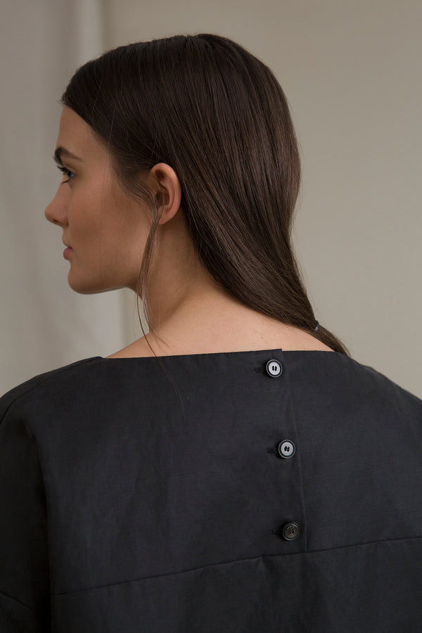 DAHLIA Back Button Blouse blackest behind