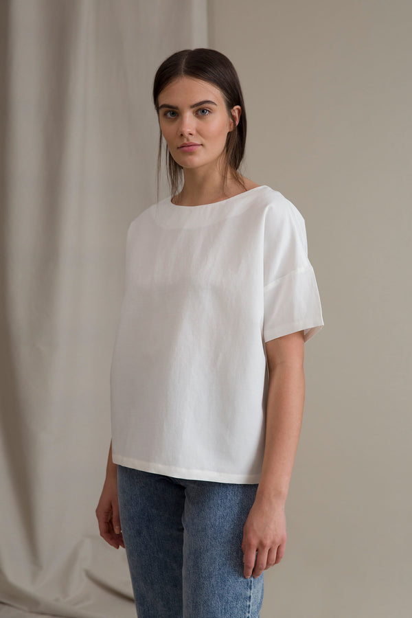 DAHLIA Back Button Blouse soft white