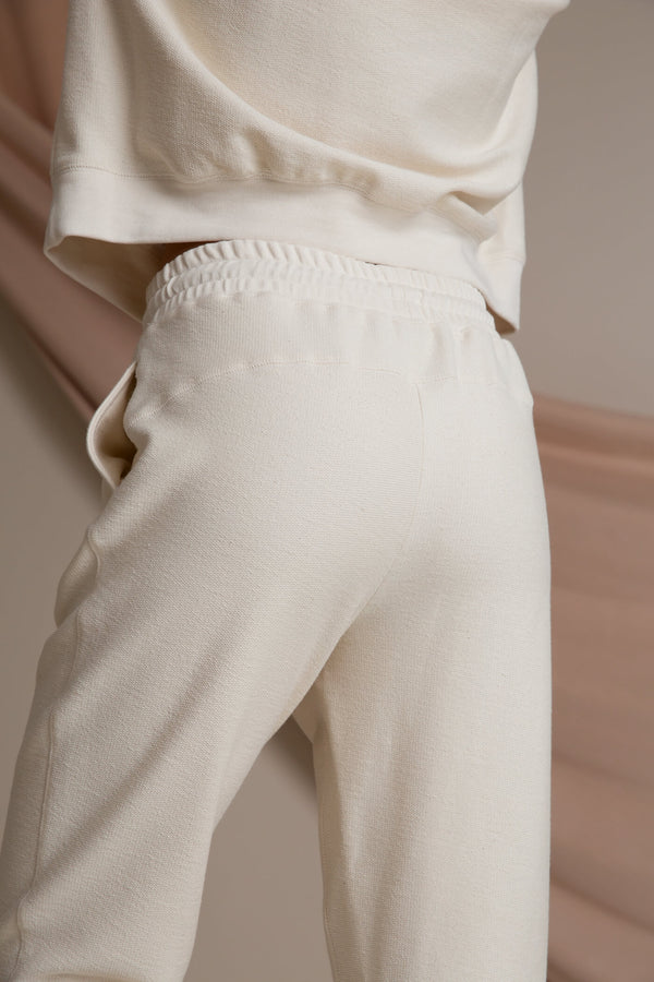 DAILY Organic Cotton Sweatpants soft white behind