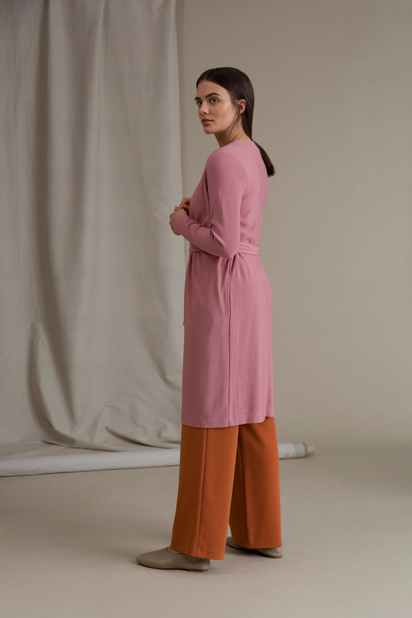 ERIKA Long Rib Cardigan pink behind