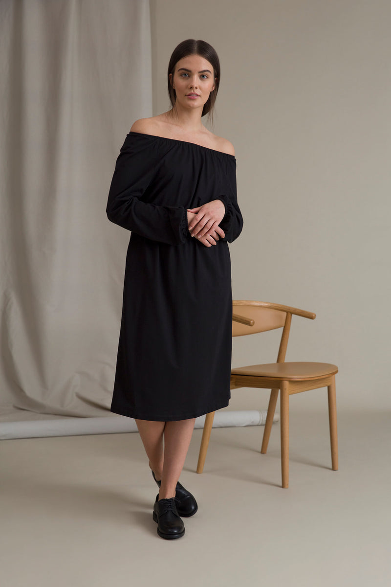ETTA Raglan Sleeve Dress black neckline
