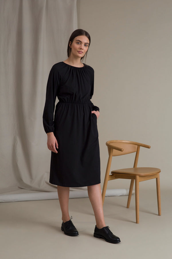 ETTA Raglan Sleeve Dress black