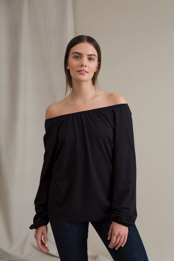 EVALYN Raglan Sleeve Blouse black neckline