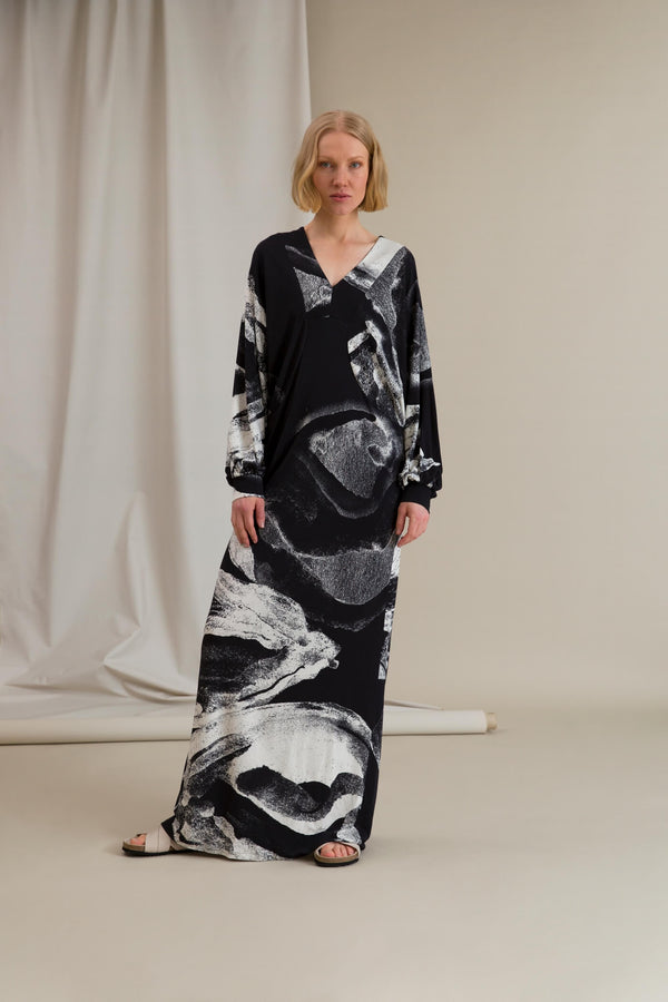 FAITH Patterned Maxi Dress black-white