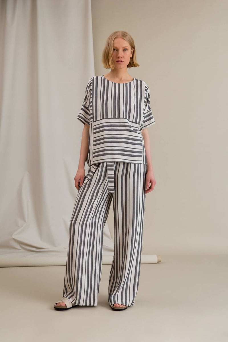 FELICE Short Sleeve Striped Top black-white outfit