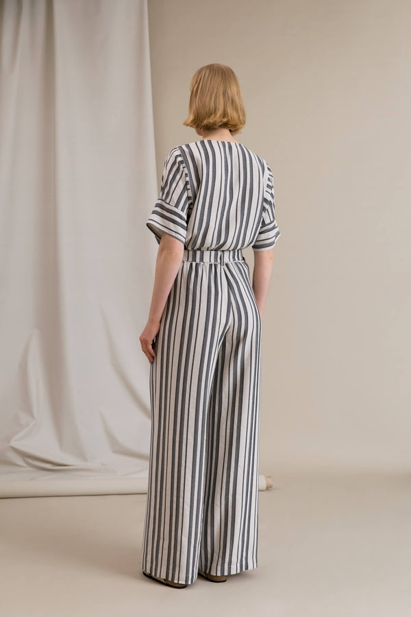 FIFI Striped Loose Fit Trousers black-white behind
