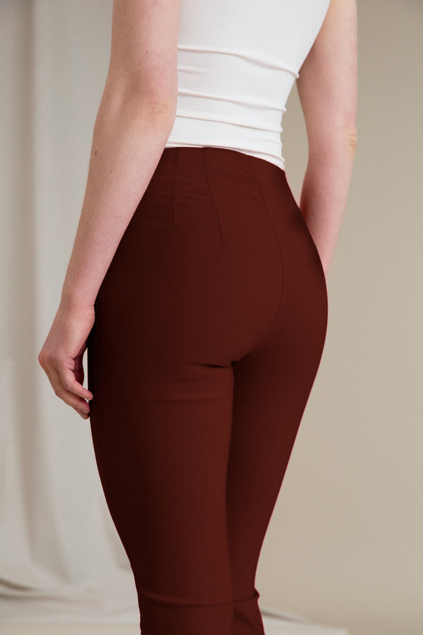 GINA Capri Stretch Trousers dark terra behind