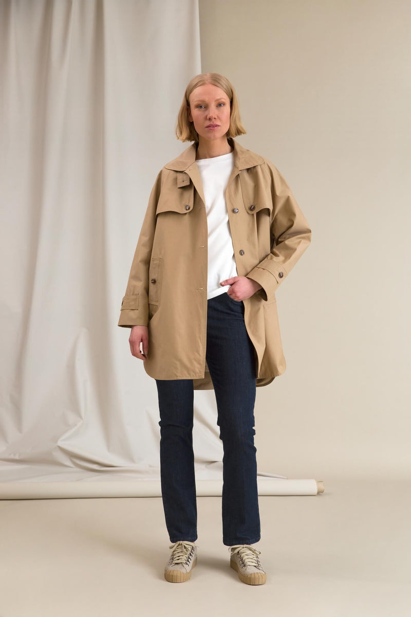 IRIS Oversize Coat chalk unbuttoned