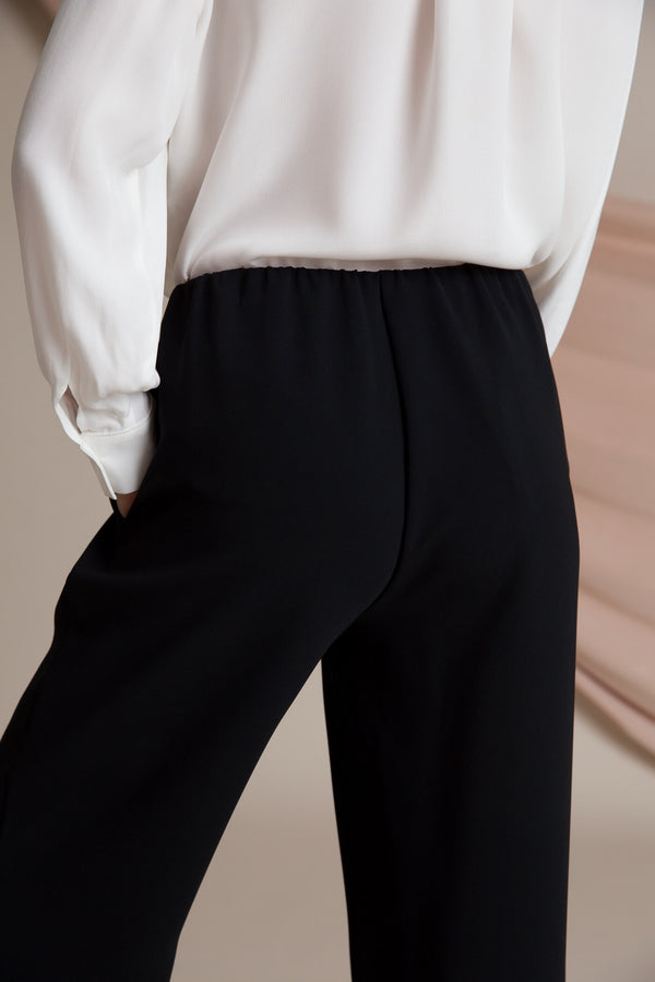Keira loose fit trousers black behind