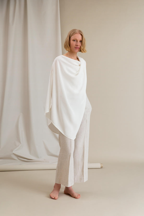 MALIA Viscose Poncho soft white