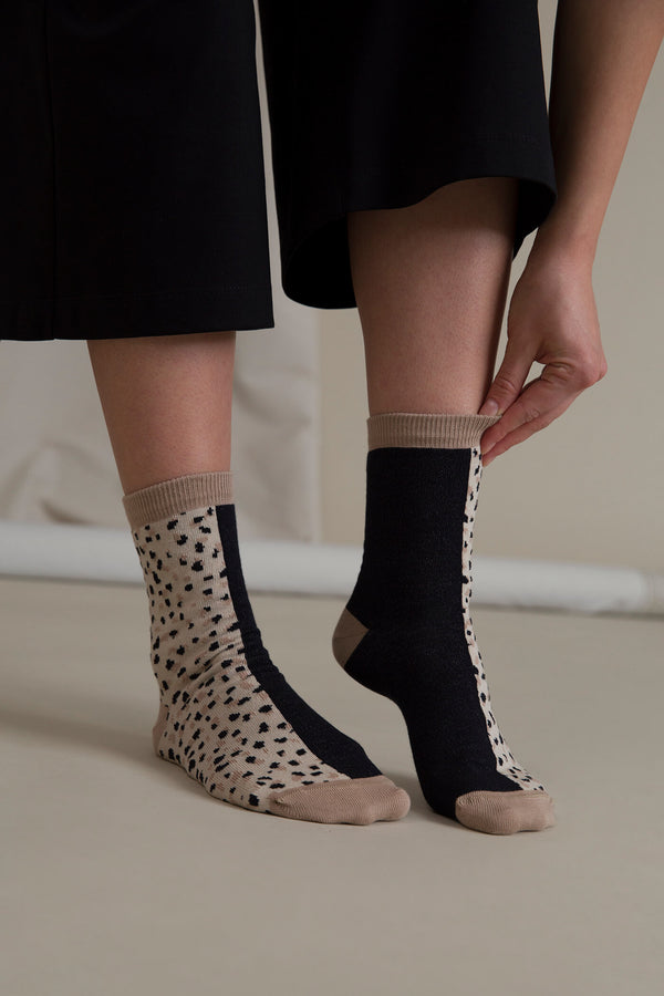 MIKAELA Patterned Socks black-beige