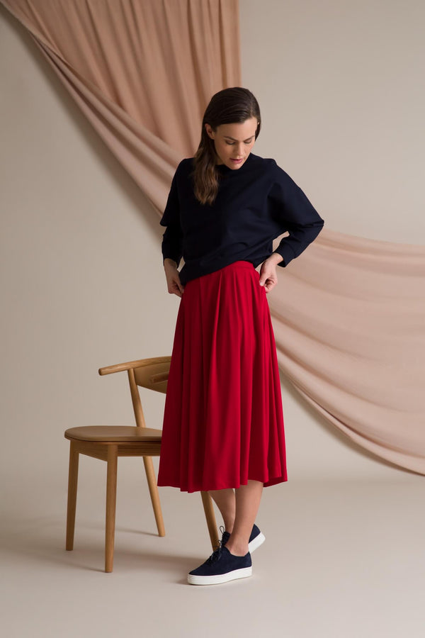 Poppy wide hem knit skirt red side