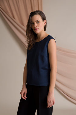 Sleeveless fitted blouse blue