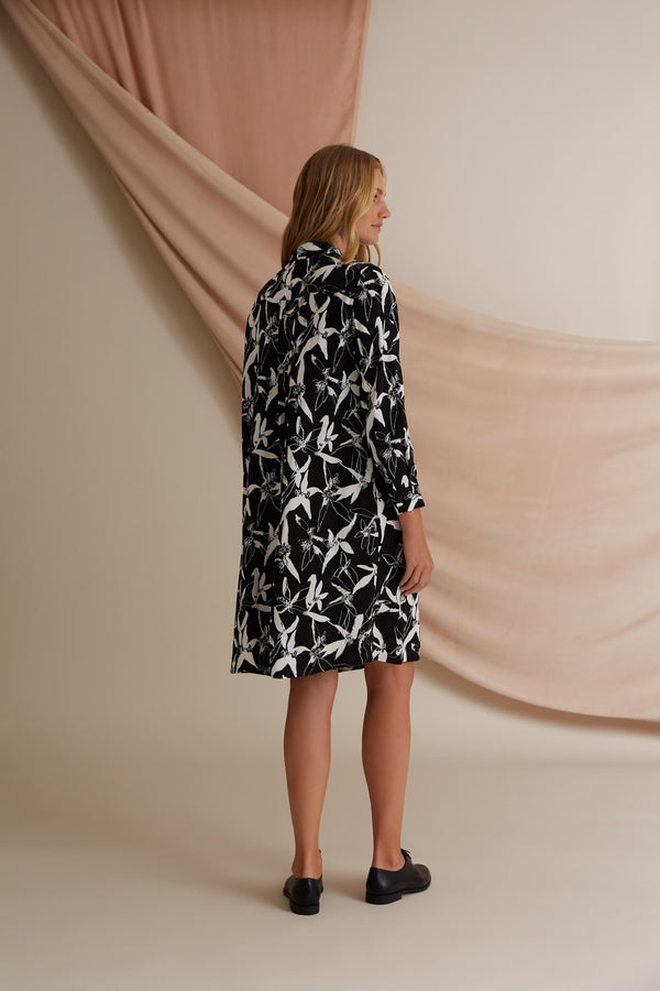 Voglia Astrid printed shirt dress black & white back