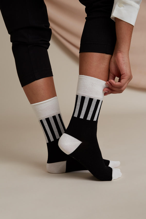 Voglia Evan striped socks black white