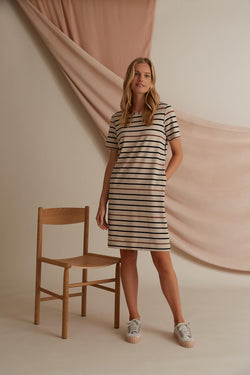 Voglia Finland Adriana striped dress in sand