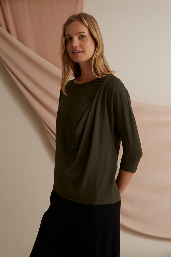 Voglia Finland Amelie Batwing Sleeve Top Green