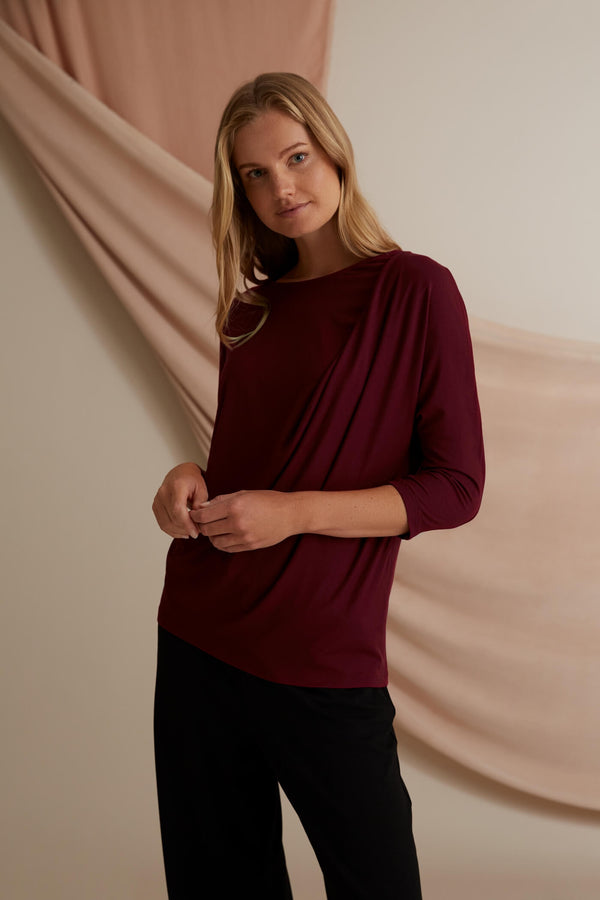 Voglia Finland Amelie Batwing Sleeve Top Red
