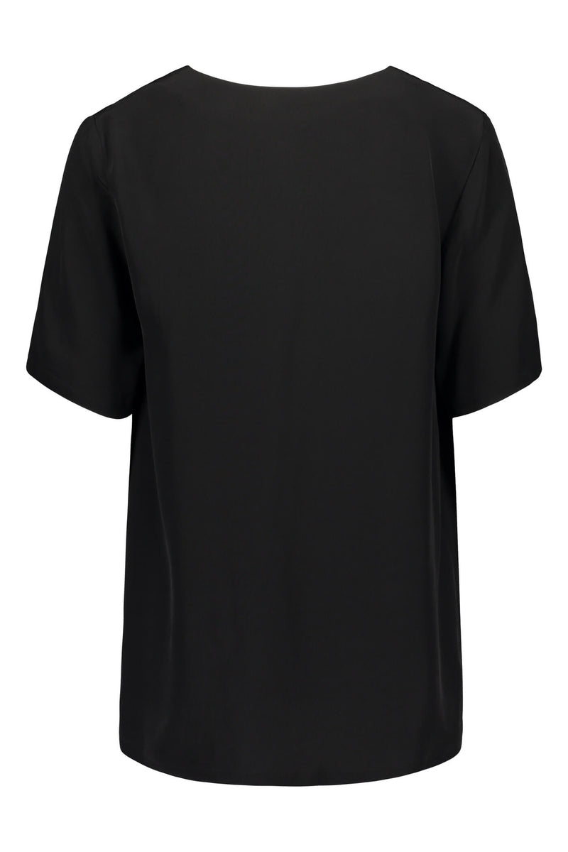 Voglia Finland Audrey loose blouse in black back