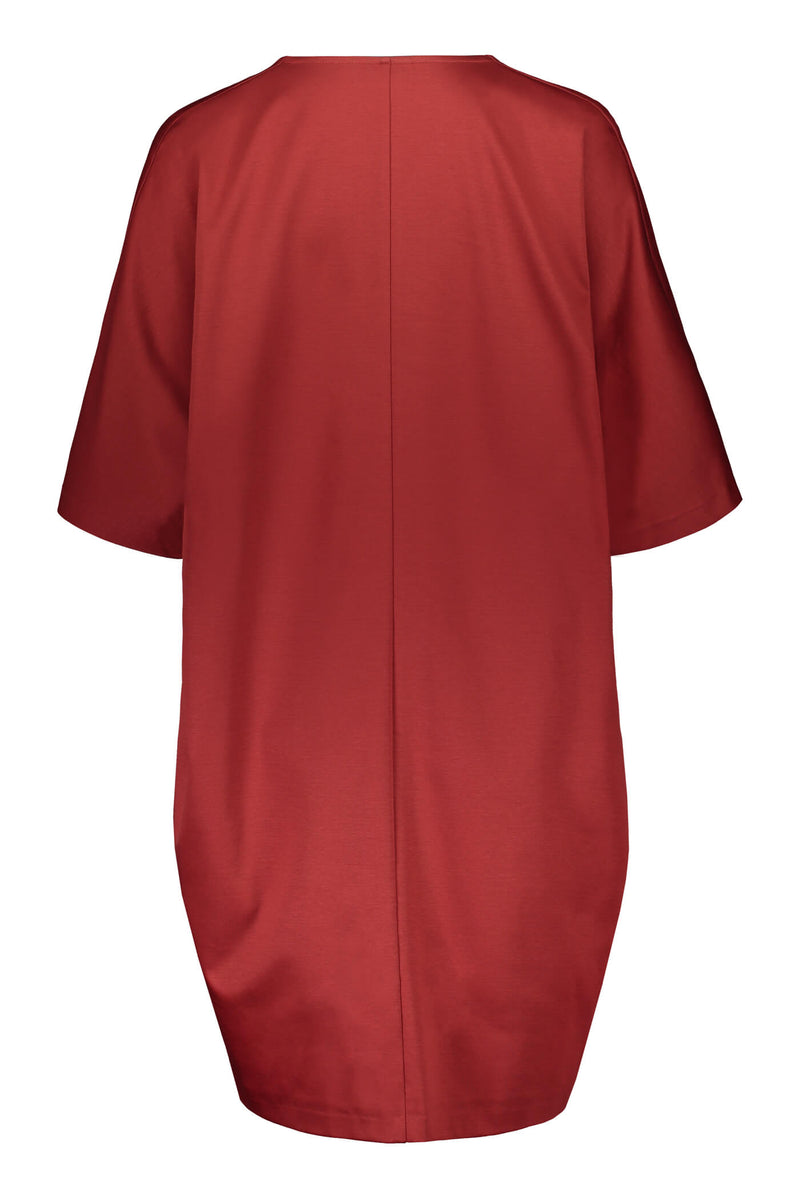 Voglia Finland Aurora loose fit dress rosewood red back