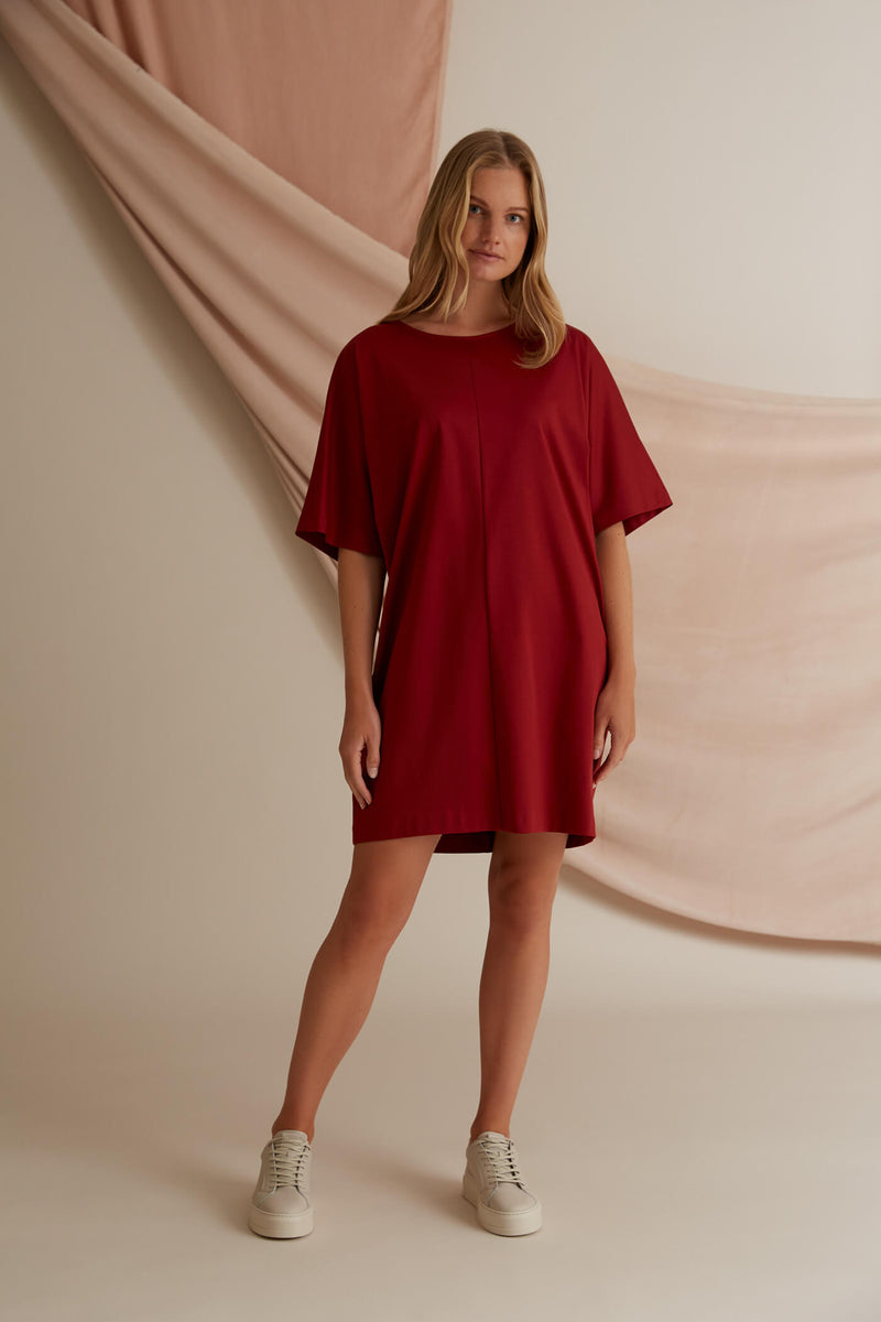 Voglia Finland Aurora rosewood red loose fit dress