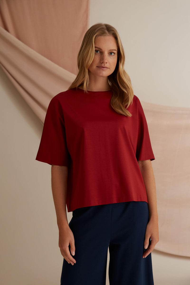 Voglia Finland Jessica rosewood red loose fit top