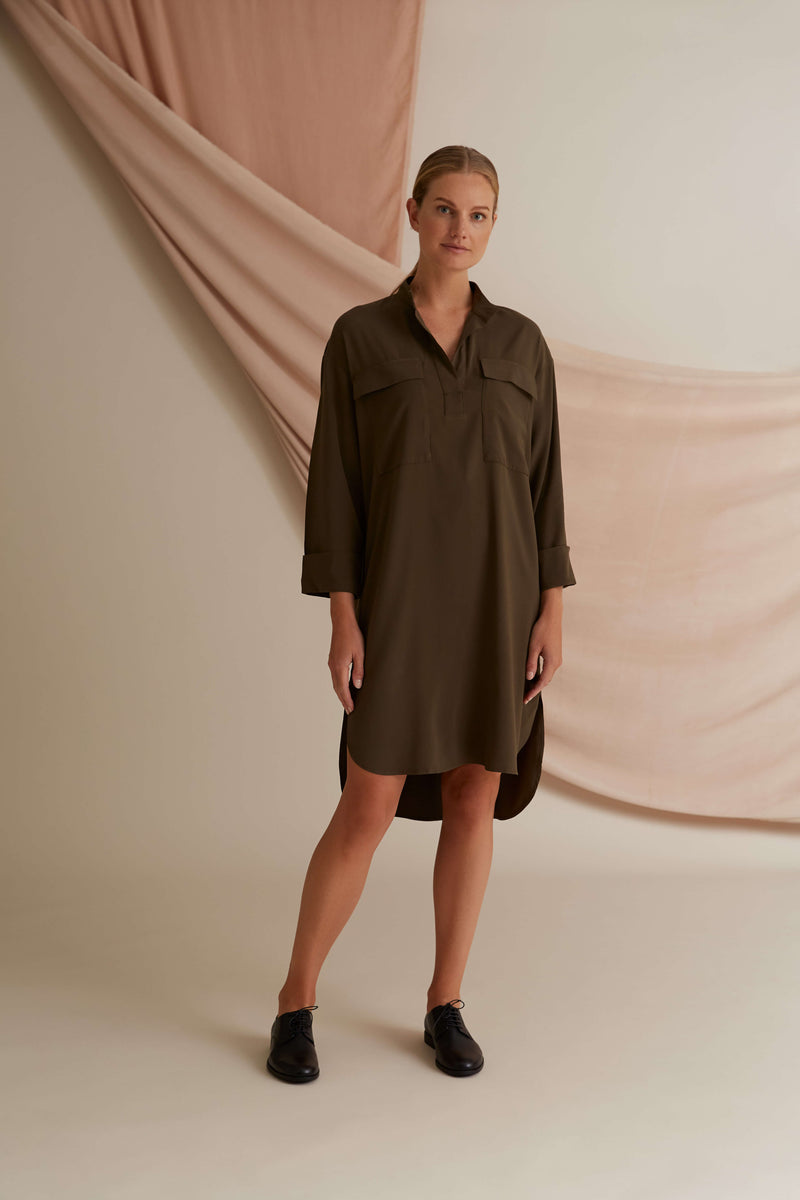 Voglia Finland pine green Celina shirt dress