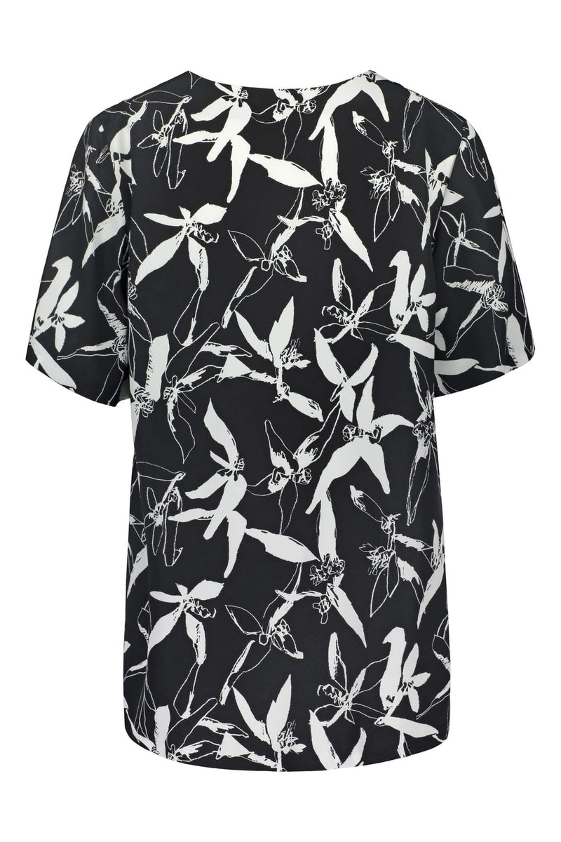 Voglia Finland printed Audrey loose blouse back