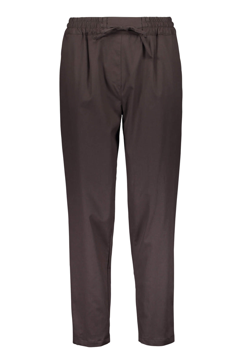 Voglia Finland Sylvie brown relaxed pants front