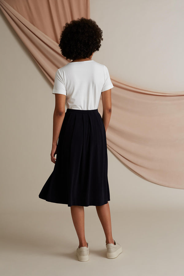 Voglia Poppy wide hem knit skirt dark blue behind