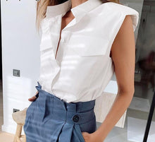 Load image into Gallery viewer, Sleeveless Lepal Collar Blouse